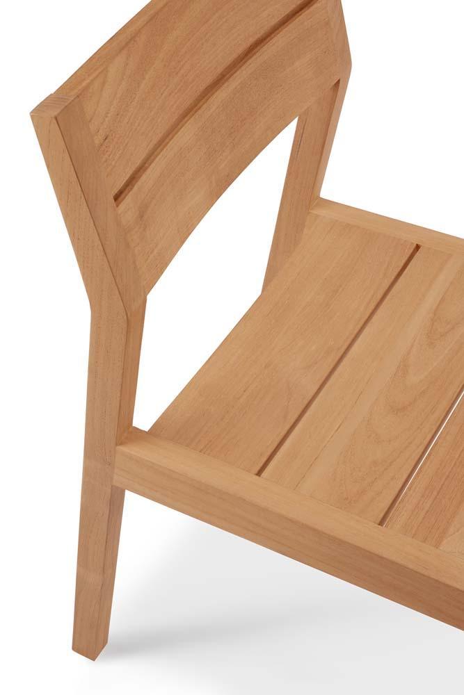 https://www.fundesign.nl/media/catalog/product/1/0/10285_outdoor_dining_chair_ex1_teak_43x56x83_det02_cut_web.jpg