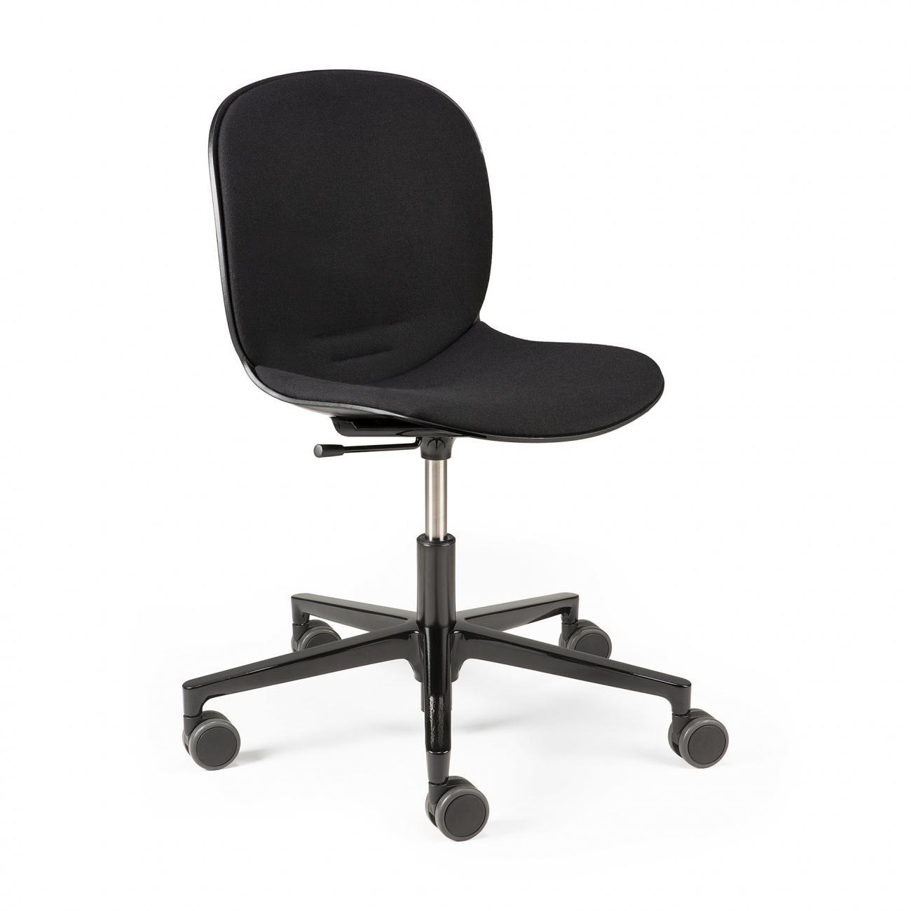 https://www.fundesign.nl/media/catalog/product/2/6/26013_rbm_noor_office_chair_black_side01_cut_web.jpg