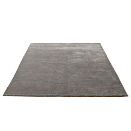 https://www.fundesign.nl/media/catalog/product/a/n/andtradition-the-moor-rug-greymoss-200x300-packshot-1_1_1_1.jpg