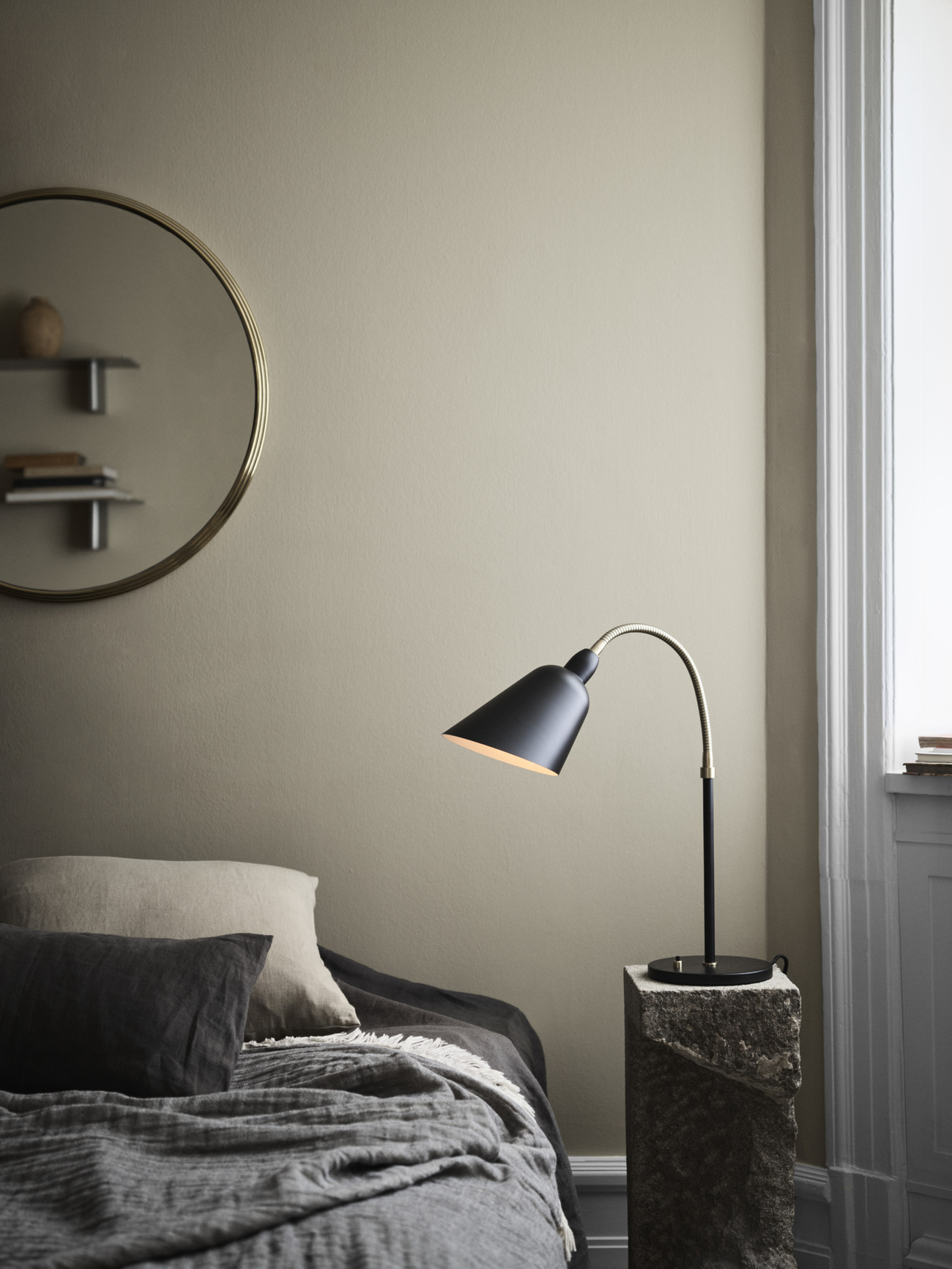 https://www.fundesign.nl/media/catalog/product/a/t/atd_lifestyle_2019_sillonsh5_bellevueaj8_light-1500x2000_1.jpg