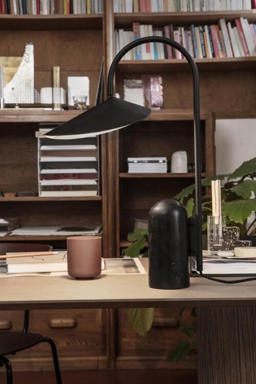 Ferm Living Arum tafellamp-Black