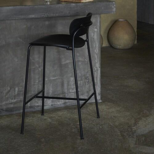 &tradition Pavilion AV9 75 cm barkruk-Gelakt walnoten