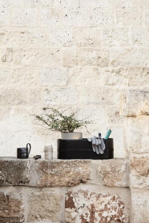 Ferm Living Bau Balcony Box -Zwart