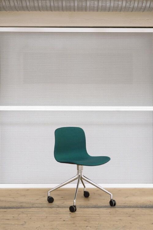 HAY AAC 15 stoel -Hallindal 116-Gepoedercoat Wit