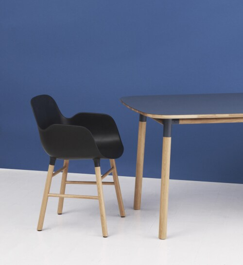 Normann Copenhagen Form tafel-200x95 cm-Blauw