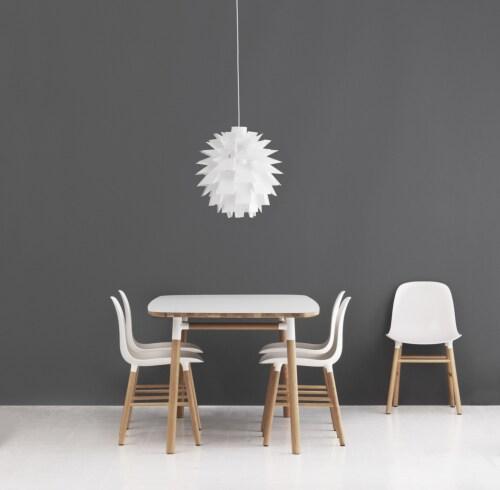 Normann Copenhagen Form tafel-Wit-120x120 cm