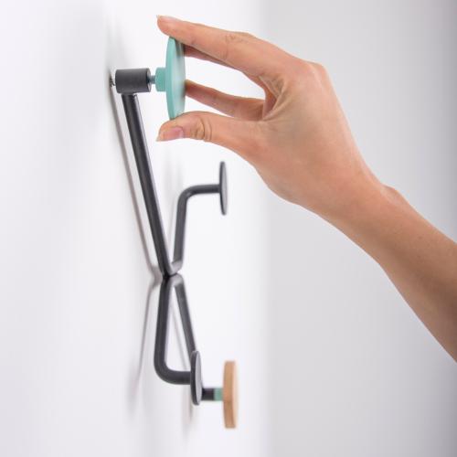 Gazzda Hook flat Wall Coat Rack kapstok-Mat licht groen