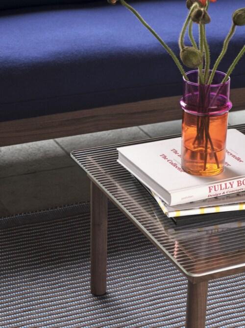 HAY Kofi salontafel 60x60 cm-Clear Reeded Glass-Rood water-based gelakt eiken