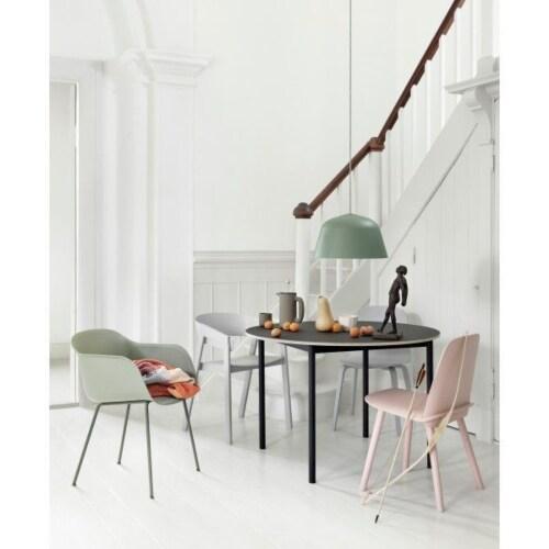 muuto Fiber Tube gestoffeerde stoel-Leer / cognac