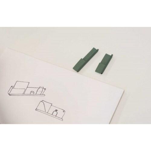 muuto Folded wandplank medium-Olijf groen