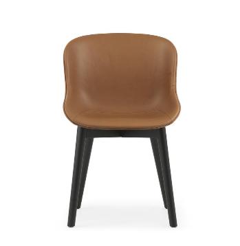 Normann Copenhagen Hyg eetkamerstoel full upholstery black oak-Bruin