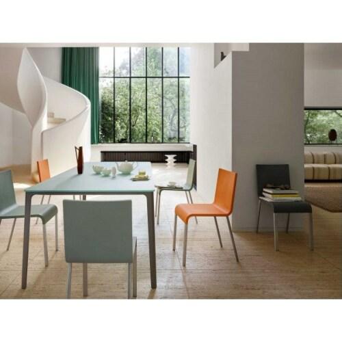Vitra .03 stoel met poedercoating onderstel zwart niet stapelbaar-Donker groen