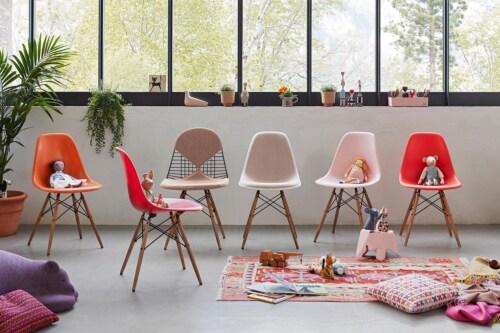 Vitra Eames DAX stoel met wit onderstel-Pale rose