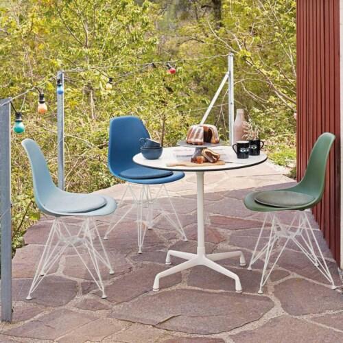 Vitra Eames DSR stoel met wit onderstel-Sunlight