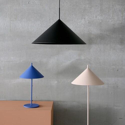 HKliving Triangle tafellamp-Kobalt-Medium