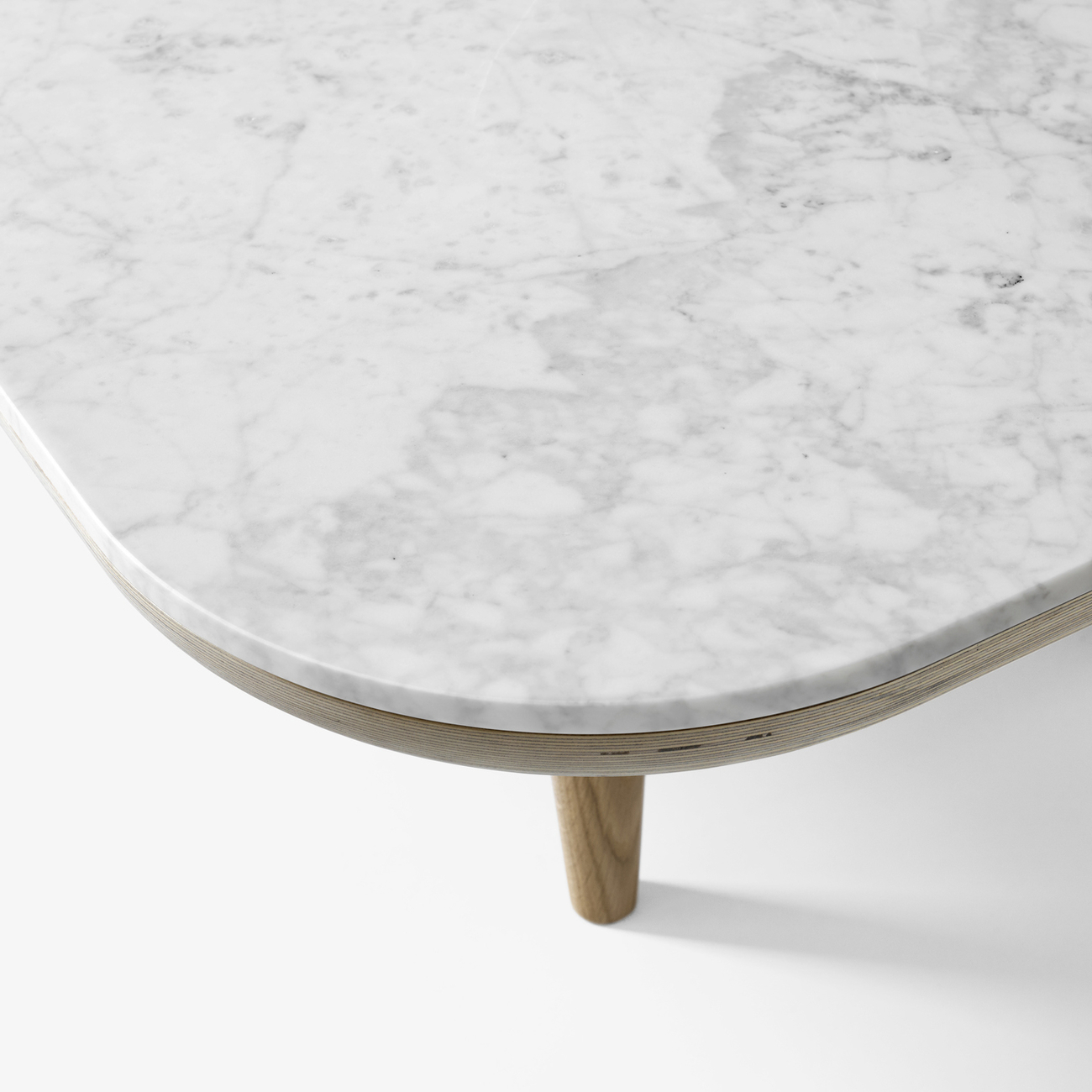 https://www.fundesign.nl/media/catalog/product/f/l/fly_honed-bianco-carrara-marble_sc4_cropped.jpg